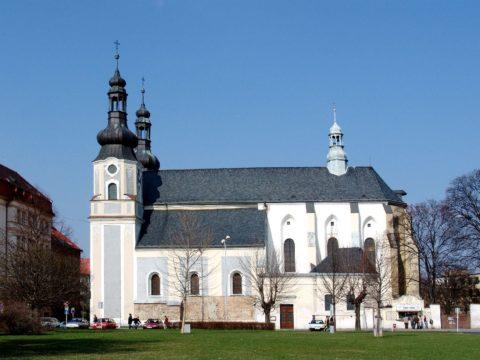 Kostel Nanebevzetí Panny Marie s klᚹterem minoritů (Krnov)